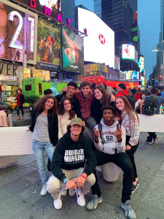 ILS+juniors+in+Times+Square+before+their+experience+at+OLR.