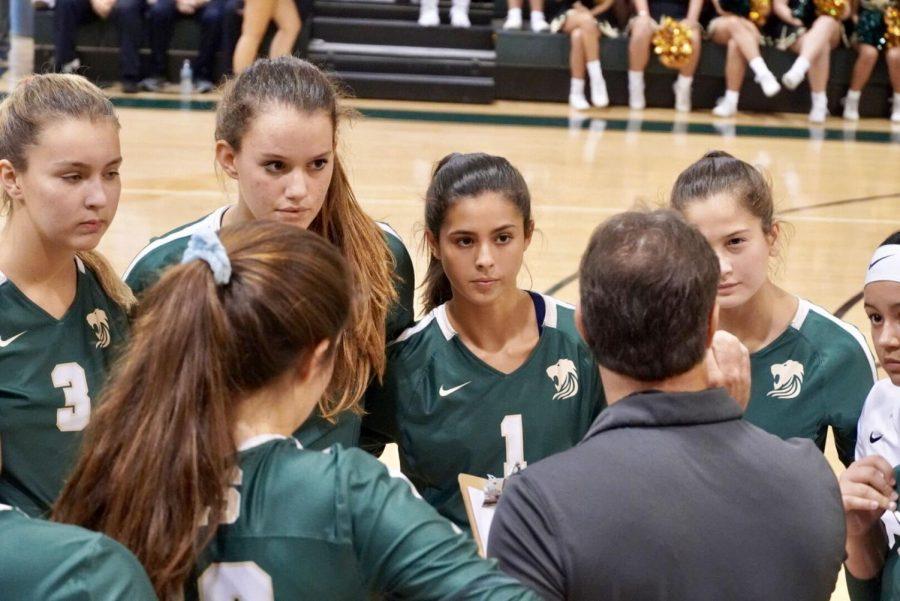 The ILS girls varsity volleyball team went 3-1 last week.