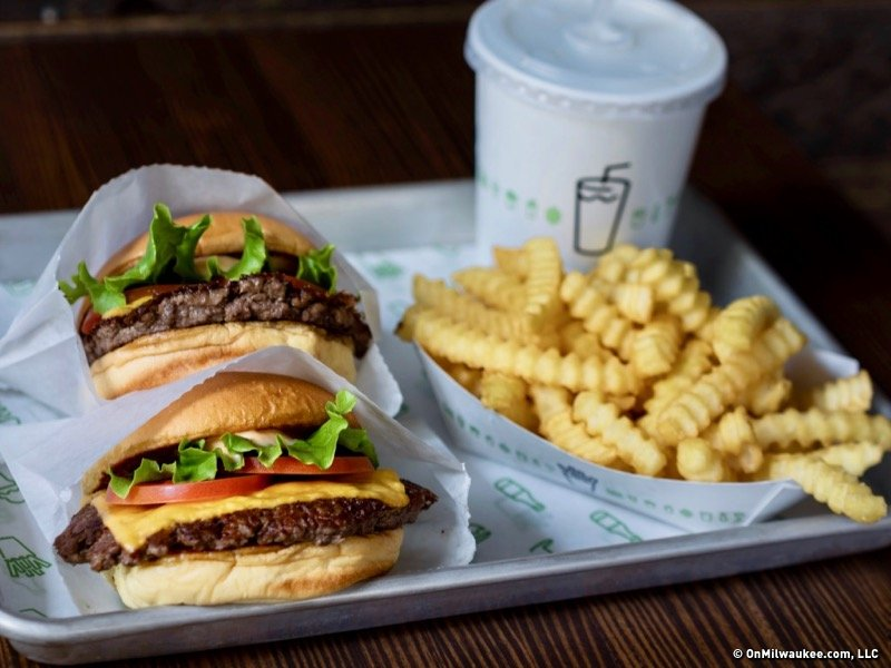 Shake+Shack+is+a+great+hangout+for+students.