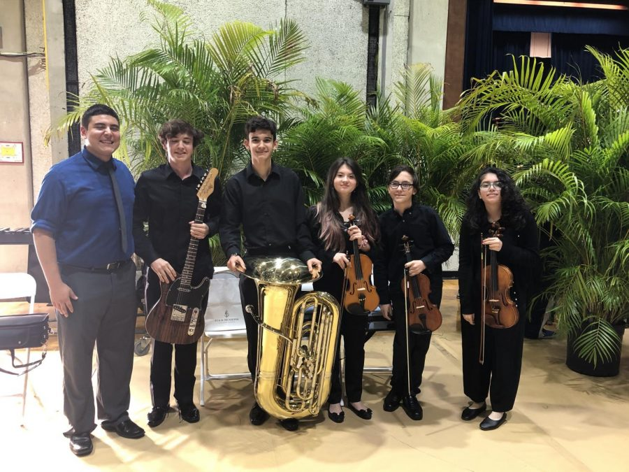 Mr. Alicandu with the ILS musicians at the Miami-Dade Honors concert.