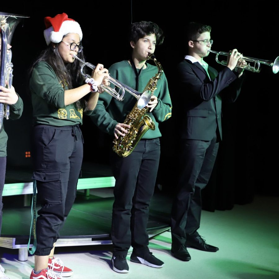 ILS+students+performed+in+the+Black+Box+theatre+during+the+Christmas+Concert+last+Thursday.