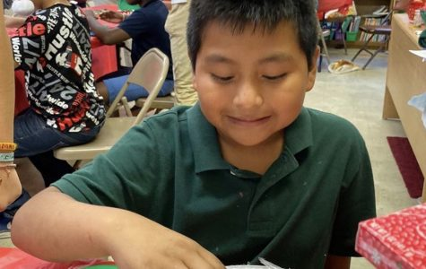 SALTT students traveled to Lake Worth to throw a Christmas party for the migrant children.