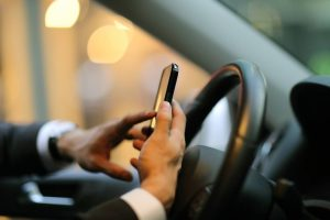 Attention All ILS Drivers: Put Down Your Phone When You're Behind the Wheel!