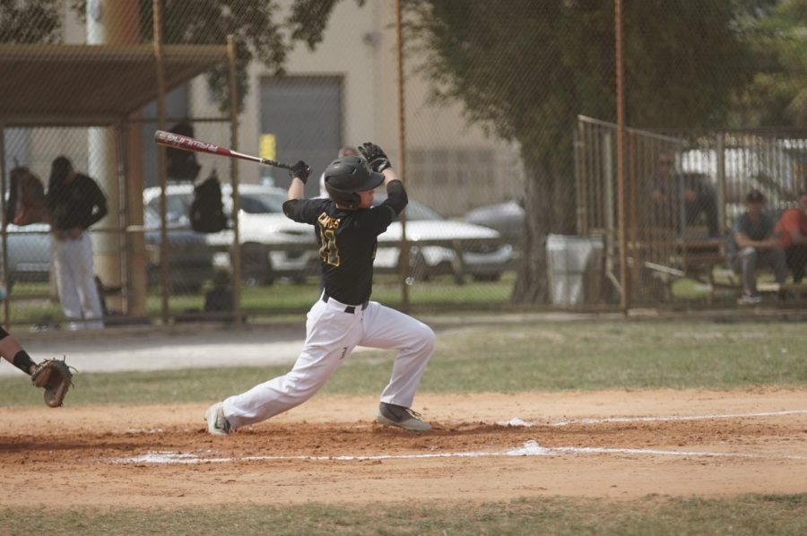 Baseball Team Gets Second Win in a Row