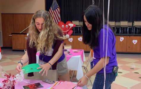 Purple Hearts Club Visit Veterans on Valentine's Day