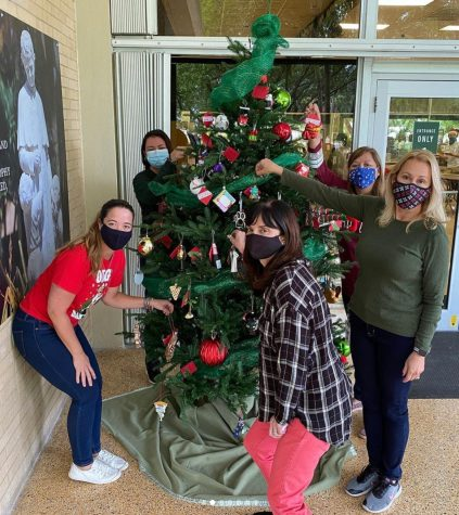 ILS Staff Hang A Part Of Their LifeOn The Christmas Tree