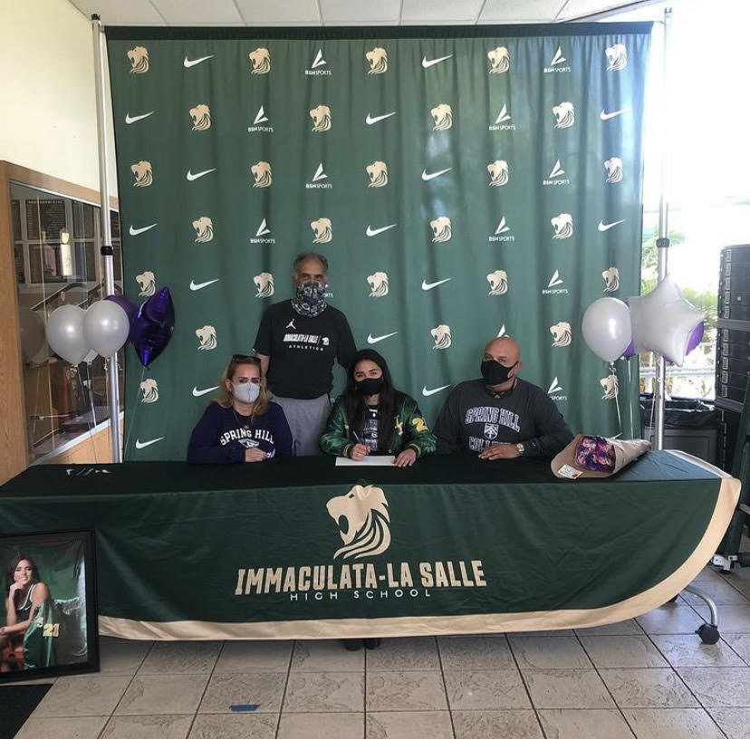 Victoria Morera Signs NLI To Spring Hill College