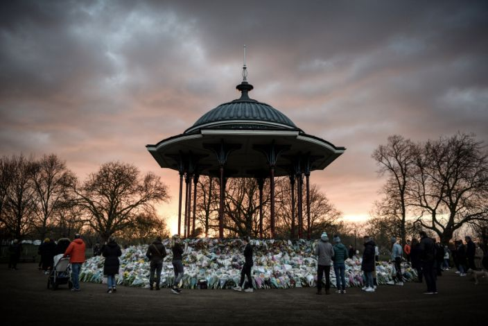 U.K. citizens mourning the death of Sarah Everard in Clapham (photo by Mary Turner/The New York Times)
